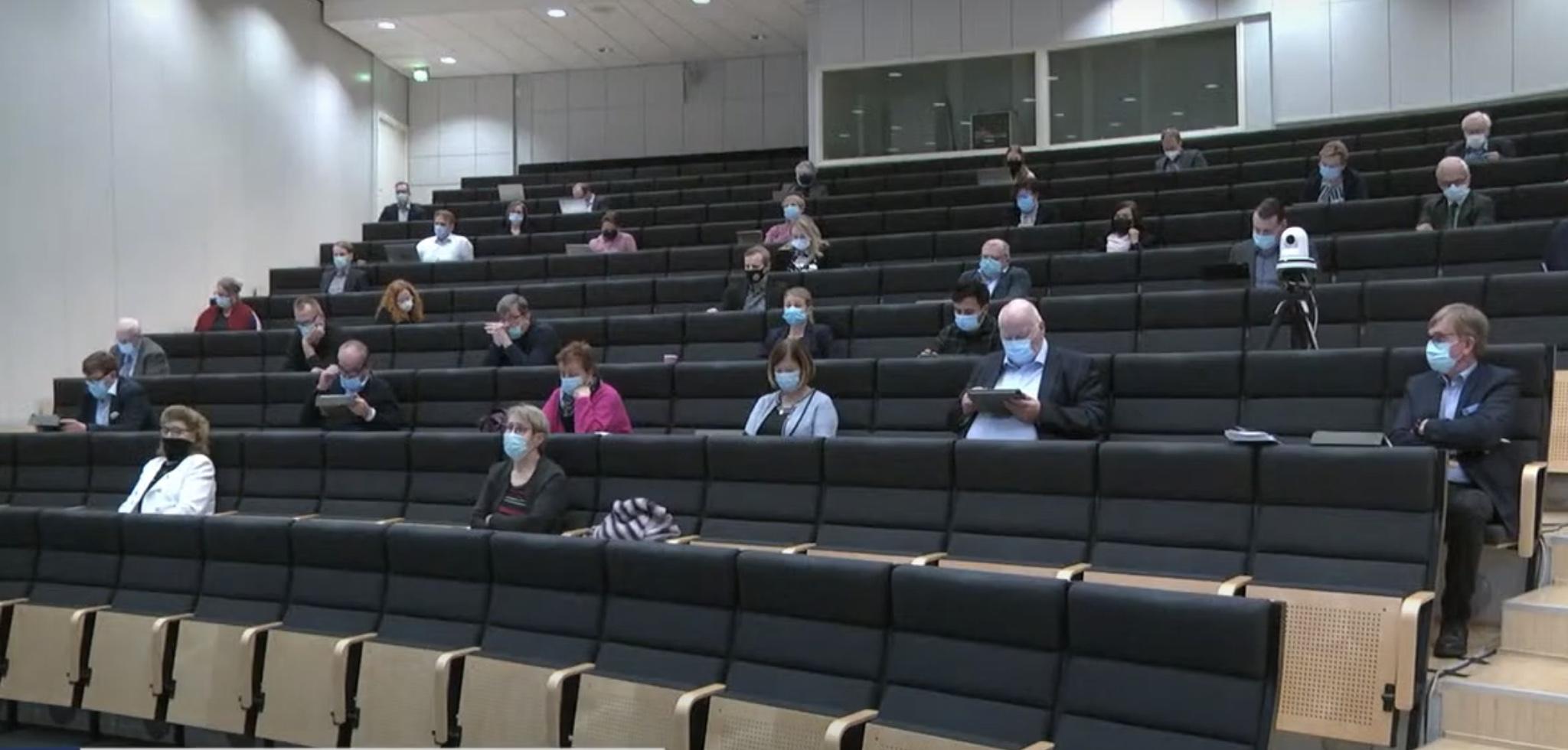AVI: Ensi viikolla 10 hengen kokoontumisrajoitus kaikissa Länsi- ja Sisä-Suomen alueen sairaanhoitopiireissä