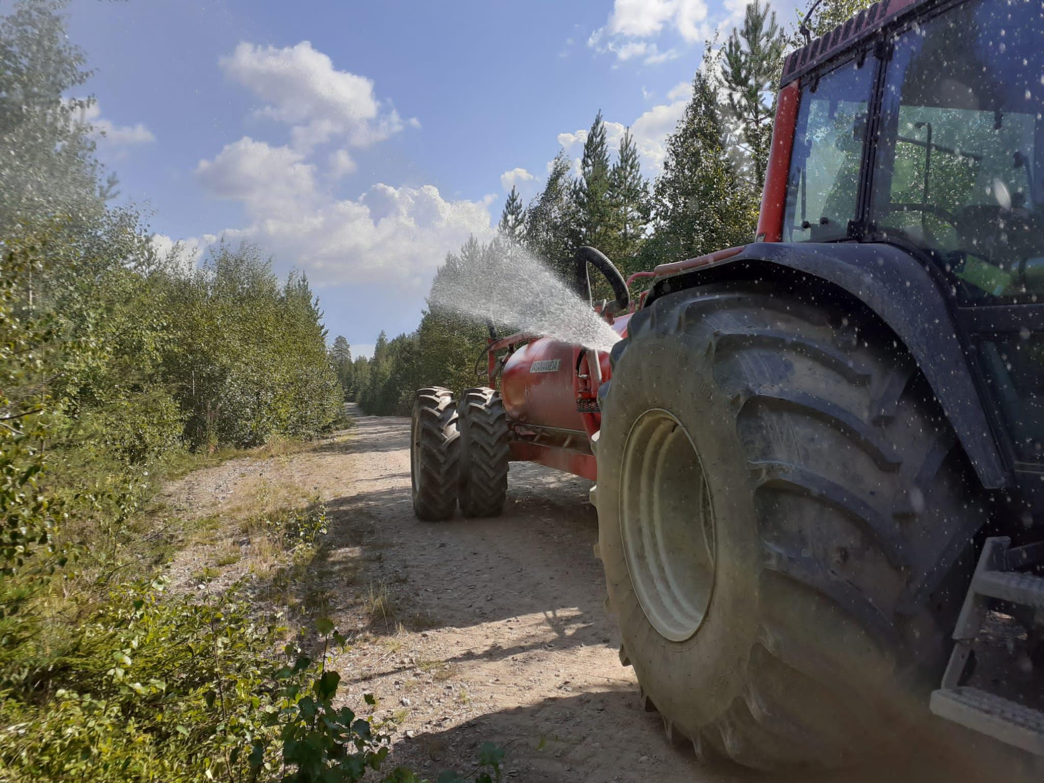 """Turveyrittäjät hälytettiin apuun Kalajoen metsäpaloalueelle – """"Ei ole Elokapinaa tai vihreitä näkynyt""""."""
