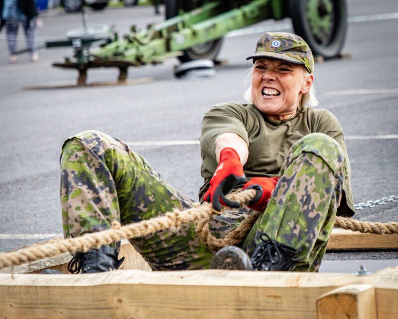 Reservin vahvimmat naiset ja miehet mittelevät voimiaan Ylihärmässä